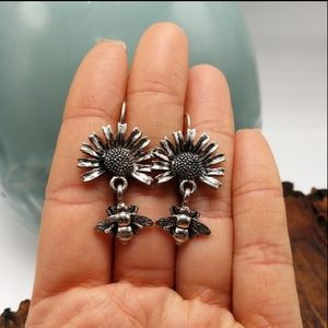 NWT Vintage moving parts sunflower bee silver mini